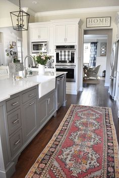 10 Tips on How to Build the Ultimate Farmhouse Kitchen Design Ideas Love the ideas! Check the website for more farmhouse kitchen design. Kitchen Ikea, Farmhouse Kitchen Cabinets, Kitchen Cabinet Design, Kitchen Redo, New Kitchen, Awesome Kitchen, Cheap Kitchen, Kitchen Layout, Kitchen White