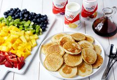 #DIY Mini Rainbow Pancakes Brunch