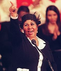 Famous People With Diabetes:  Aretha Franklin  Claim to Fame: American singer, songwriter, and pianist  DOB: March 25, 1942  Diabetes Type: Type 2