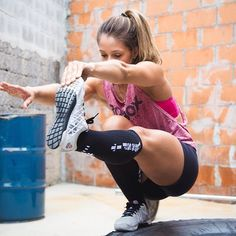 No squat rack at the beach house? These body weight crossfit style workouts should come in handy. Training Legs, Body Weight Training, Sabrina Sato, Crossfit Motivation, Fitness Motivation Pictures, Body Fitness, Female Fitness, Workout Fitness, Free Workout