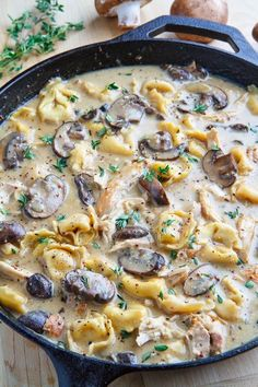 Creamy Asiago Chicken and Mushroom Tortellini Soup (substitute tortellini for gnocchi) Think Food, I Love Food, Asiago Chicken, Creamy Chicken, Chicken Soup, Mushroom Chicken, Chicken Tortillini Soup, Hacks Cocina, Tortellini Recipes