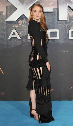"Sophie Turner ""Sansa Stark"" Game of thrones HD Wallpapers 2019 Maisie Williams Sophie Turner, Beautiful Redhead, Beautiful Celebrities, Gorgeous Women, Gorgeous Dress, Sofie Turner, Evolution Of Fashion, Sansa Stark, Woman Crush"