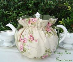 Tea Cozy for 6-8 Cup Teapot ENGLISH COTTAGE Reversible, Insulated Tea Pot Tea Cozy Cosy Also Available in 1-2 Cup and 2-4 Cup Sizes