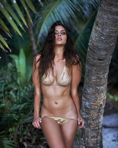Candice Boucher is definitely red hot and sexy. Sexy Bikini, Bikini Babes, Bikini Girls, Claudia Sampedro, Camila Morrone, African Models, Mädchen In Bikinis, Beauty Women, Hot Girls