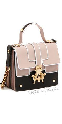 Regilla ⚜ Una Fiorentina in Kalifornien: Foto - und Taschen online, Frauen groß . Fashion Handbags, Purses And Handbags, Fashion Bags, Fashion Fashion, Runway Fashion, Kids Fashion, Fashion Trends, Luxury Purses, Luxury Bags