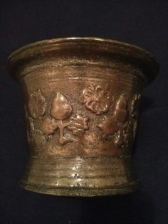Antique English bronze mortar (17th century)