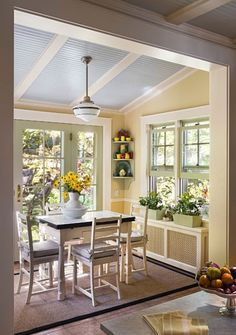 Lovely 10 Charming Breakfast Nook Ideas – Town & Country Living the one in the pic is inspiring me for our space! The post 10 Charming Breakfast Nook Ideas – Town & Country Living the one in . Kitchen New York, Sunroom Addition, Family Room Addition, Kitchen Nook, Kitchen Ideas, Small Kitchen Decorating Ideas, Kitchen Dining, Sunroom Kitchen, Sunroom Dining