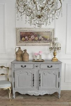 Discover with Eurooo 5 simple tips how to shabby chic your home. Create a harmonious modern shabby chic interior design! French Country Dining Room, French Country Bedrooms, French Country Farmhouse, French Country Decorating, French Cottage Decor, Country Chic, Cottage Art, Farmhouse Decor, Modern Country