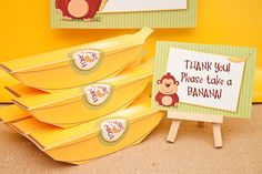 MONKEYING AROUND Banana Favor Box