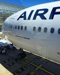 Air France Boeing 777-328/ER F-GZND preparing for departure from Paris-Charles de Gaulle, May 2016. AF276 to Tokyo-Narita. (Photo via Instagram: @takdersou)