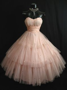Cheap dresses and gowns, Buy Quality gown party dress directly from China dress ball gown Suppliers: Vintage Tea Length Shell Pink Prom Dresses 2017 Tulle Sequins Short Homecoming Dress Princess Ball Gown Party Gowns Short Strapless Prom Dresses, 1950s Prom Dress, Pink Prom Dresses, Tulle Prom Dress, Prom Party Dresses, Party Gowns, Ball Dresses, Homecoming Dresses, Ball Gowns