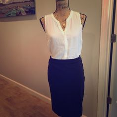 Apt 9. Tank Kohls Apt 9 white tank. Can be paired with a pencil skirt to be given a more professional look or even with jeans to dress it down. Very versatile semi sheer. Apt. 9 Tops Blouses