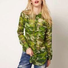 CAMISA FEMININA CAMUFLADA COM TRANSPARÊNCIA Camisa feminina camuflada com transparência, com uma cor diferenciada, para iluminar se Vizuw neste inverno, peça tem-que-ter! Deixa seu Vizuw, atualizadíssimo, além, de ser uma peça coringa, pois usa-se o ano todo, tanto no verão quanto para o inverno!  R$64,90 4x R$16,23 sem juros ou em até 12 X de R$6,13