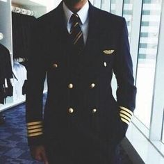 Find images and videos about airplane, pilot and captin on We Heart It - the app to get lost in what you love. Pilot Uniform, Men In Uniform, Ugly Love Colleen Hoover, Airplane Wallpaper, Aviation Wedding, Becoming A Pilot, Airline Pilot, Airplane Photography, Female Pilot