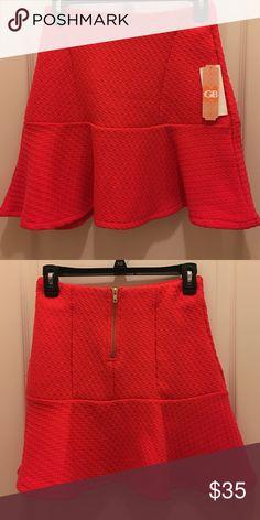 GIANNI BINI Skirt NWT GIANNI BINI NWT Skirt size small coral pink and soooo cute! Gianni Bini Skirts Midi