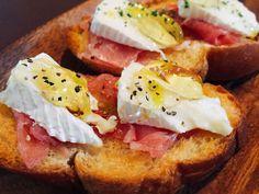 蜂蜜とカマンベールチーズのカナッペ☆彡の画像 House Party, Baked Potato, Sandwiches, Sandwich Ideas, Baking, Breakfast, Ethnic Recipes, Cook, Morning Coffee