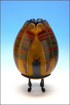 Gourd Art Galleries presents the gourds and art of Deborah Easley.
