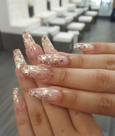 Amazing Glitter Acrylic Nail Art Designs for Holiday Parties winter glitter nails; new year nails; Holiday Nails, Christmas Nails, Christmas Glitter, Christmas Art, Prom Nails, Long Nails, Short Nails, Cute Nails, Pretty Nails