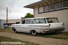 Long before the SUV rose to dominance, big station wagons like this '60 Pontiac were the family car of choice for Americans. Many of them ca...