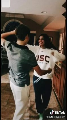 not my video! Boyfriend Goals Relationships, Relationship Pictures, Relationship Goals Pictures, Cute Couples Kissing, Cute Couples Photos, Cute Couples Goals, Cute Friend Pictures, Cute Couple Pictures, Lake Pictures
