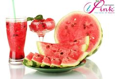 Watermelon To Prevent Cancer! Well, most of us may already know that watermelon is a delicious fruit that can also be healthy for people. Watermelon Health Benefits, Watermelon Diet, Sweet Watermelon, Detox Kur, Juicing For Health, Nutrition, Water Recipes, Calories, Cookies Et Biscuits