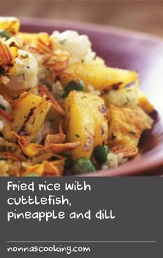 Fried rice with cuttlefish, pineapple and dill Cold Lunch Recipes, Cold Lunches, Breakfast Recipes, Steamed Rice, Fried Rice, Steam Rice Recipe, Leftover Wine, Pineapple Recipes, Cuttlefish