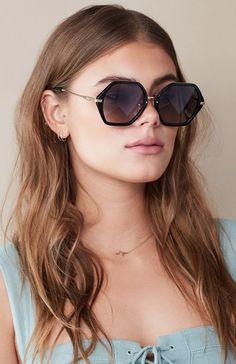 109 melhores imagens de óculos de sol   Girl glasses, Sunglasses e ... c2700dfe14