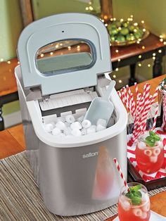 Portable Ice Maker - Salton tabletop ice machine | Solutions
