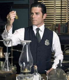 There's a lot to love about Murdoch Mysteries except that it's filmed in Canada and not aired on American TV. Thank goodness for the internet!