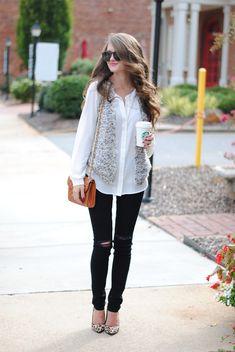 White blouse, fur vest and black skinnies