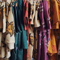 Coming Soon Sneak peek SS20 One Day Parade! Even wat om naar uit te kijken tussen al het Corona nieuws! Ondertussen willen we jullie in deze tijd tegemoet komen met gratis verzending op de zomer collecties! Met de code: ss20 krijg je gratis verzending  #onedayparade #newcollection #freeshipping #smallbusiness #kidsfashion #organickidswear Kimono Top, Tops, Fashion, Corona, Moda, Fashion Styles, Fashion Illustrations