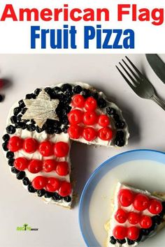 American Flag Fruit Pizza in Red, White, and Blue Colors makes a perfect Patriotic Day dessert. It's easy, creamy and fruity dessert pizza recipe - recipemagik.com Quick Recipes, Pizza Recipes, Cooking Recipes, Sugar Frosting, Blue Desserts, Fourth Of July Food, Dessert Pizza, Cookie Crust, Blue Colors
