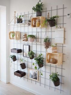 Home Decorating Ideas Bedroom Wall accessories dining room – Trend Decor for You! Interior Design Books, Interior Design Pictures, House Plants Decor, Plant Decor, Cute Room Decor, Room Decor Bedroom, Decoration Plante, Balcony Decoration, Beauty Salon Interior
