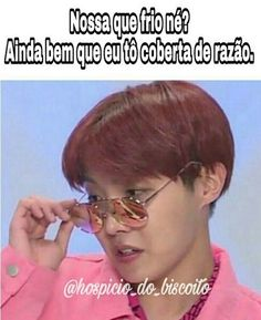 When your mom doesn't like what you're wearing and makes you change Bts Memes, Funny Memes, Hilarious, K Pop, What Is Bts, Bts Bangtan Boy, Jimin, Bts J Hope, About Bts