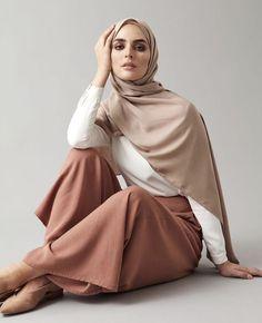 "islamic-fashion-inayah: ""New - Mocha Palazzo Pants "" Islamic Fashion, Muslim Fashion, Modest Fashion, Girl Fashion, Hijab Style, Hijab Chic, Hijab Dress, Hijab Outfit, Modest Dresses"