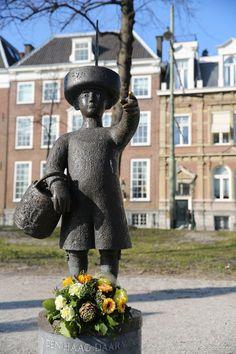 Sculpture in The Hague, Netherlands