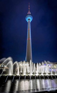 https://flic.kr/p/R9acVq | Festival of Lights Berlin-Fernsehturm/Alexanderplatz | Festival of Lights 2014, Berlin, Deutschland / Germany  www.tomkpunkt.de