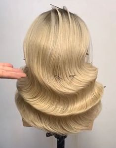 Unique Hairstyles Tutorials Bridal hairstyle in lovely waves.❤❤❤ The post Unique Hairstyles Tutorials appeared first on Stacey H Burrage. Creative Hairstyles, Unique Hairstyles, Loose Hairstyles, Braided Hairstyles, Hairstyles Videos, Curly Hair Styles, Natural Hair Styles, Hair Upstyles, Hair Extensions Best