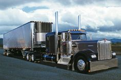 now thats not a shabby truck!1981 Kenworth W900a