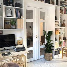 Africa Decor, Built In Bookcase, Bookshelves, Simple Living Room, Interior Decorating, Interior Design, Scandinavian Interior, My Dream Home, Windows And Doors