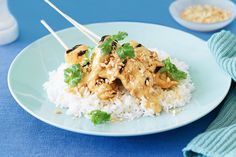Fire up that barbecue and make these easy chicken skewers with tasty satay sauce. Chicken Satay, Chicken Skewers, Satay Sticks, Jasmine Rice Recipes, Asain Food, Chicken Tenderloins, Yum Yum Chicken, How To Cook Chicken