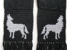 Howling Wolf Scarf. Charcoal black long knit mens por hooknsaw