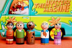Scooby Doo and the Gang inspired peg dolls from Five Little Monkeys Wood Peg Dolls, Clothespin Dolls, Clothespin Crafts, Scooby Doo, Five Little Monkeys, Themed Cupcakes, Wooden Pegs, Doll Crafts, Craft Party