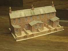N Gauge Kits M25 Red Brick Terrace with Back Yard cut out model card building