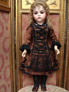 antique FRENCH BEBE ACCESSORIES | Adorable antique french BRU Bebe size 8 found on Ruby Lane