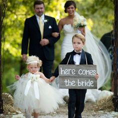 this is just tooo cute! I love the flowergirl dress!!