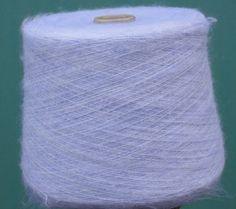 Duvet (Gruppo Filpucci)  41% суперкид мохер, 29% полиамид, 23% вискоза, 5% меринос, 2% эластан  1200м/100г  цвет нежно-сиренево-голубой  цена 2570 руб/кг  отмот платный 10руб/100г + конус 15руб/шт  бобины ок.1кг