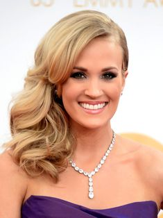 Carrie Underwood Side Swept Curls