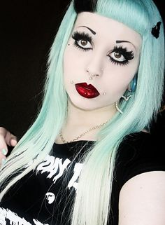 long pastel turquoise blue hair with a placement of black in the fringe Dark Eyes, Beauti, Stun Bang, Pastel Hair, Pastel Goth