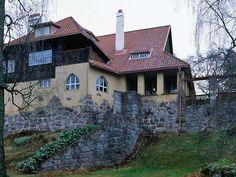 Hvitträsk, built during years 1901-1903 by architects Herman Gesellius, Armas Lindgren and Eliel Saarinen from beams and natural stones. Kirkkonummi, Finland